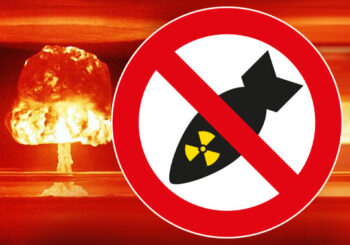 Protest-Aktion gegen die Atomkriegsübung der Bundeswehr